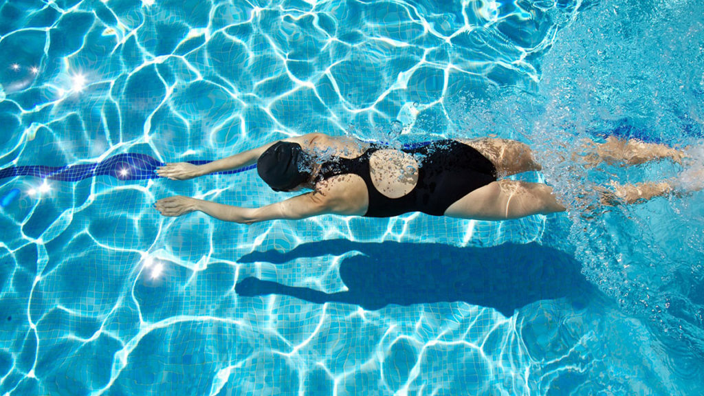 Swimming Pool Can Make Your Family Members to Enjoy The Fun Summer
